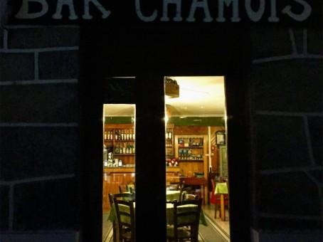 Bar Chamois dentro